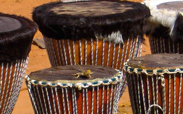 instrument de percussion africain